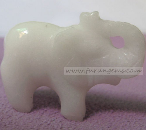 white jade elephant carvings 40mm